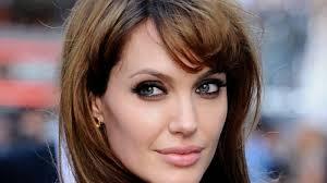 Angelina n'est pas aussi occupée qu'on croit