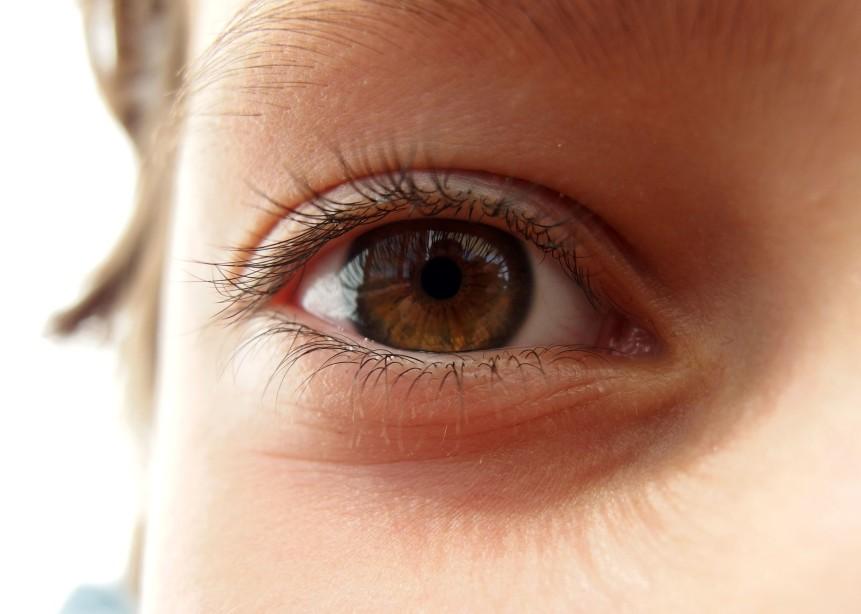 Enfant Oeil
