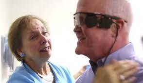 Larry a retrouvé partiellement la vue après 30 ans