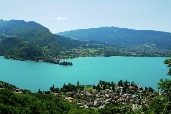 Replay vidéo Des Racines et des Ailes : Des lacs de Savoie aux lacs Italiens à revoir sur Internet