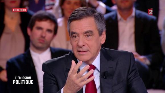 Regarder L'émission politique en direct avec François Fillon sur France 2 : Replay vidéo du débat politique