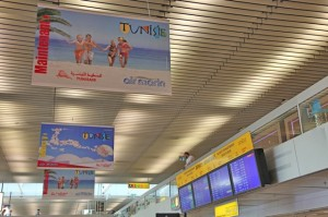 Campagne publicitaire en faveur de la Tunisie à l'aéroport de Genève