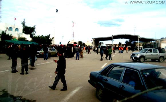 Des libyens attaquent des guérites de la douane tunisienne