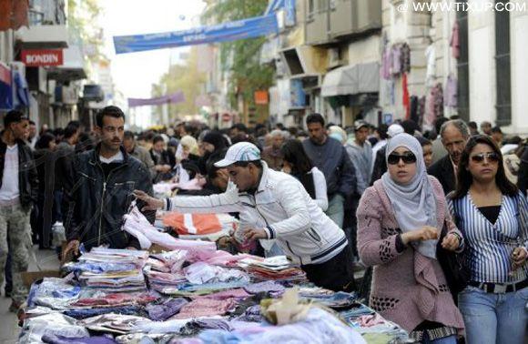 Interdiction du commerce anarchique dans les rues de Tunis