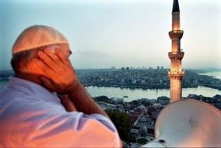 Appel à la prière d'un minaret accordé au Suède