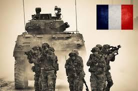 Hollande supprime 24.000 postes à l'Armée d'ici 2019