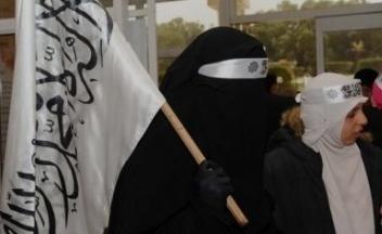 Djihad du Nikah : Confessions d'une jeune fille