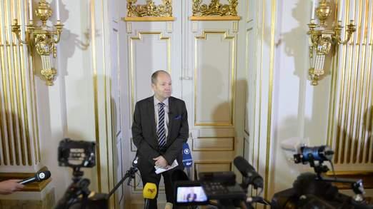 Peter Englund de l'Académie royale de Suède a annoncé le gagnant