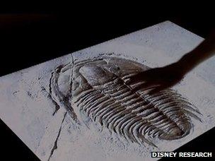 Les petits traits d'images peuvent être ressentis par l'intermédiaire du système électro-vibration de Disney