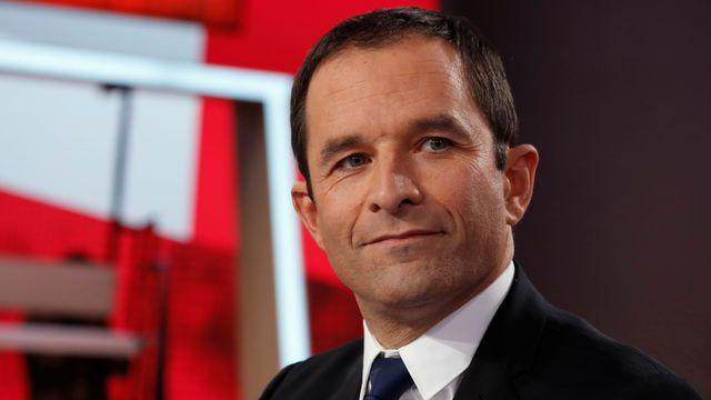 Voir L'émission politique sur France 2 en direct : Replay vidéo débat avec Benoit Hamon